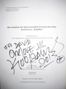 Meine Bachelorarbeit zu Rapfilm, mit persönlicher Widmung von Kool Savas.